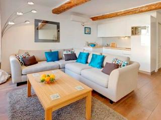 Place Garibaldi, Home from Home - Nice vacation rentals