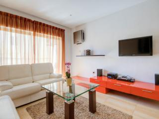 Stylish St Julians 3-bedroom Apartment - Saint Julian's vacation rentals