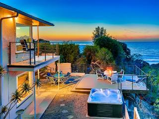 Sweeping ocean, cove, and sunset views with private spa and deck - La Jolla vacation rentals