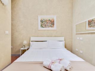 Il Duomo apartment - Lucca vacation rentals