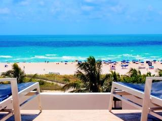Cozy SoBe Studio with 2 double beds on Ocean Drive - Miami Beach vacation rentals