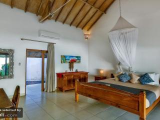 Villa Damai Kecil - World vacation rentals