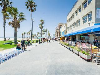 Venice Beach Apartment 405 Steps To The Beach - Los Angeles vacation rentals