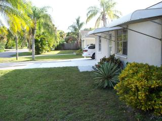 House  in south VENICE, FL -comfortable 3bed/1+bth - Englewood vacation rentals