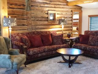 Belle's Cabin. Historic Elegance on Main Street - Alaska vacation rentals