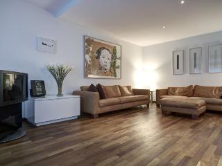 Charming luxurious apartment near the country - Alf vacation rentals