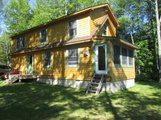 Quiet Lakeside Cottage Beautiful  Mountain Views - East Stoneham vacation rentals