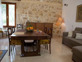 HORIZONTE Cretan cottage - Drapanias vacation rentals