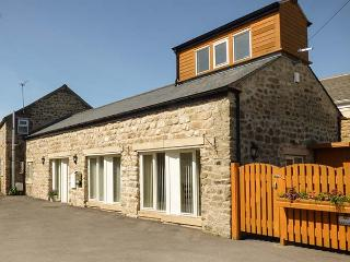 SETCH BARN, wet room, WiFi, off road parking, amenities nearby, Masham, Ref. 916222 - Masham vacation rentals