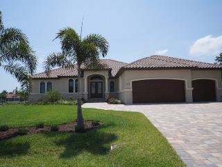 Orduna Island - Cape Coral 2 br+game room with queen sleeper, den, 2.5 bath home w/electric heated pool, gulf access canal, HSW  - Florida South Central Gulf Coast vacation rentals