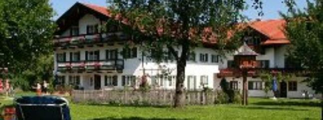 LLAG Luxury Vacation Apartment in Bad Feilnbach - 646 sqft, rustic, quiet, comfortable (# 4077) #4077 - LLAG Luxury Vacation Apartment in Bad Feilnbach - 646 sqft, rustic, quiet, comfortable (# 4077) - Bad Feilnbach - rentals