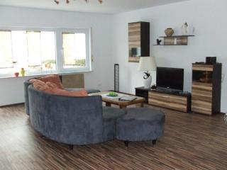Vacation Apartment in Sulzfeld - 1076 sqft, quiet, comfortable, child-friendly (# 5598) - Stadtlauringen vacation rentals