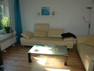 Vacation Apartment in Pinneberg - 646 sqft, quiet, guestHOUSE, familiar (# 7132) - Schleswig-Holstein vacation rentals