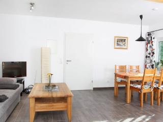 Vacation Apartment in Insul - 517 sqft, comfortable, quiet, friendly (# 7379) - Insul vacation rentals