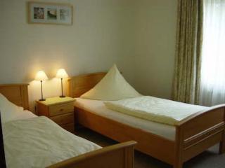 Vacation Apartment in Jork - quiet, comfortable,countryside,citylimits of Hamburg (# 7545) - Jork vacation rentals