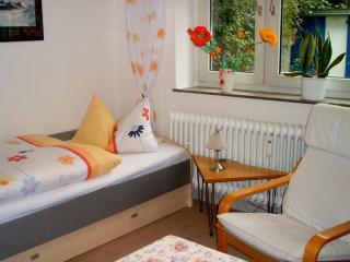 Vacation Apartment in Bremen - central, quiet, comfortable (# 7552) - Bremen vacation rentals