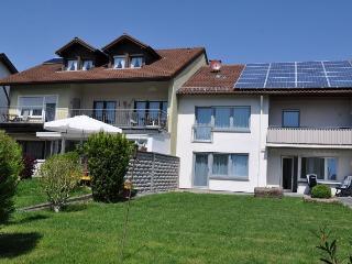 Vacation Apartment in Endingen am Kaiserstuhl - 861 sqft, 2 bedrooms, max. 4 People (# 7598) - Kenzingen vacation rentals