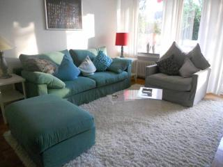 Vacation Apartment in Bonn - 592 sqft, quiet, sunny, central (# 8083) - Bonn vacation rentals