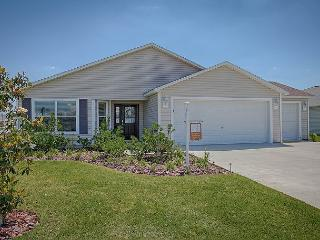 Beautiful Villages getaway home in Village of Sanibel free use of golf cart - The Villages vacation rentals