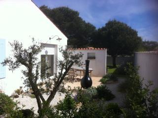 MAISON NEUVE POUR SEJOUR AGREABLE SUR OLERON - Dolus d'Oleron vacation rentals