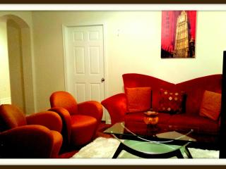 Sleeps 6, Best Rate HOTEL APARTMENT NEAR SUGARLAND - Houston vacation rentals
