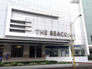 Luxury Resort Condo Makati Ocean View nr Greenbelt - Makati vacation rentals