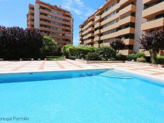 Cascais with Pool -  Holiday Apartment Rental With Pool - Holiday Apartment Cascais - Cascais vacation rentals