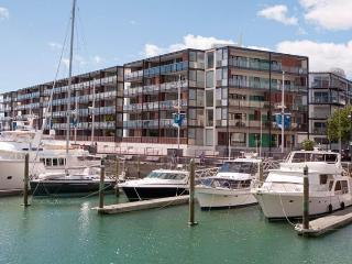 Waterfront Condo Apartment in the Viaduct Harbour with Large Covered Balcony. - Auckland vacation rentals