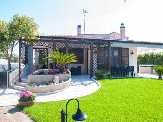 Villa San Flaviano – villa with veranda and garden - Noci vacation rentals