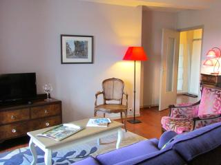 Beautiful 1 bedroom apartment  Dinan centre (A006) - Dinan vacation rentals