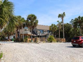 Gulf View, Spacious & unique, 2 Kings, Pool, Pet Friendly, 6/27 $4100/wk - Port Saint Joe vacation rentals