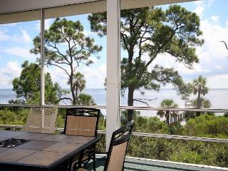 Bayfront, Dock, Hot Tub, Screened Porch, 2 Living Areas 10/17 $1710/wk - Cape San Blas vacation rentals