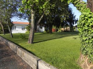 Maison spacieuse et fonctionelle proche Océan - Ychoux vacation rentals
