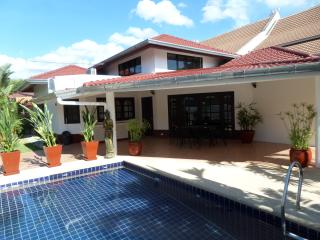 siam court house by the sea 4 bedrooms and pool - Sattahip vacation rentals