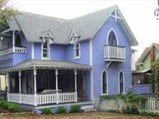 OAK BLUFFS VICTORIAN ONE BLOCK FROM BEACH, TWO BLOCKS FROM TOWN! - Oak Bluffs vacation rentals