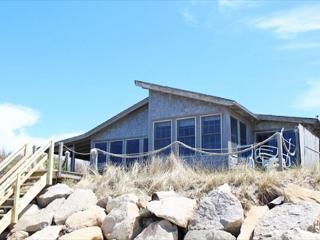 BEACHFRONT BUNGALOW WITH BEAUTIFUL VIEWS - Vineyard Haven vacation rentals
