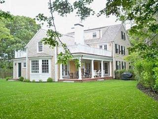 CLASSIC COLONIAL LUXURY HOME DESIGNED BY NOTED ARCHITECT - Edgartown vacation rentals