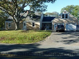 Newly renovated 4 bedroom Chilmark home with in-ground pool - East Falmouth vacation rentals