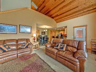 Must See Cabin in Roslyn Ridge!  3BR/2BA | WiFi | Summer Specials! - Roslyn vacation rentals