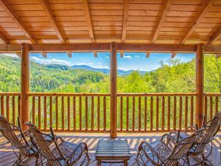 JUNE SPECIAL from $249!!! Luxurious 5 BR Gatlinburg Cabin w/ Views! Sleeps 16 - Gatlinburg vacation rentals