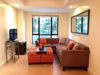 Forbeswood Heights 1 BR w/ WIFI TV POOL - Taguig City vacation rentals