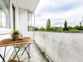 27 Modern Holiday Apartment Cologne Humboldt - Cologne vacation rentals