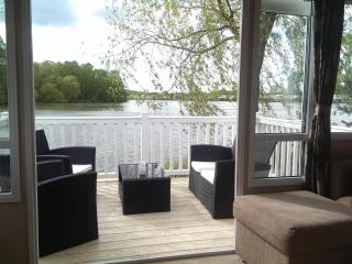 Tattershall Luxury Caravan, Fishing lake view - Tattershall vacation rentals