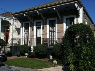 Historical Algiers Point - New Orleans vacation rentals