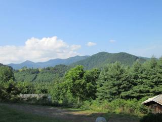 Mountain View with Deck and Coffee - Green Mountain vacation rentals