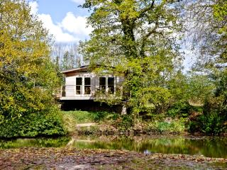 Ryders Lodge, 8 Indio Lake located in Bovey Tracey, Devon - Bovey Tracey vacation rentals