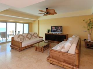 Beautiful Condo in Sint Maarten at Cupecoy Beach - Sint Maarten vacation rentals
