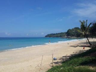 Penthouse 2 Bedroom Surin Beach 100 Metres B3 - Phuket vacation rentals