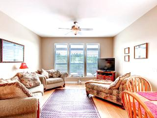 First Catch - AVAIL 5/25-5/30! 2BR/2.5 w/Priv Boat Slip-Walk to Mexico Beach! - Mexico Beach vacation rentals