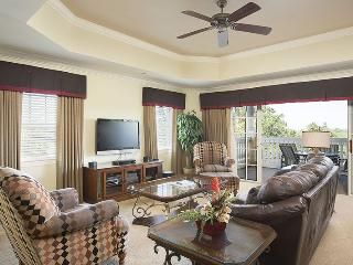 Centre Court Comfort - 3 Bed 3 Bath Condo Overlooking Golf Course - Reunion vacation rentals